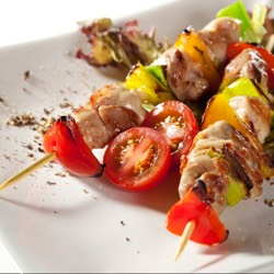 Brochette de pollo y cereales