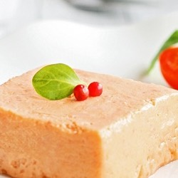 Mousse de tomates y queso blanco